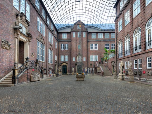 oestreicher locations | innenhof